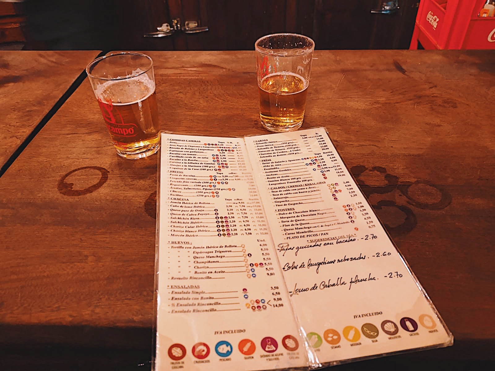 redhead-round-the-world-blogger-food-foodie-foodblog-spain-el-rinconcillo-beers-menu-inside.JPG
