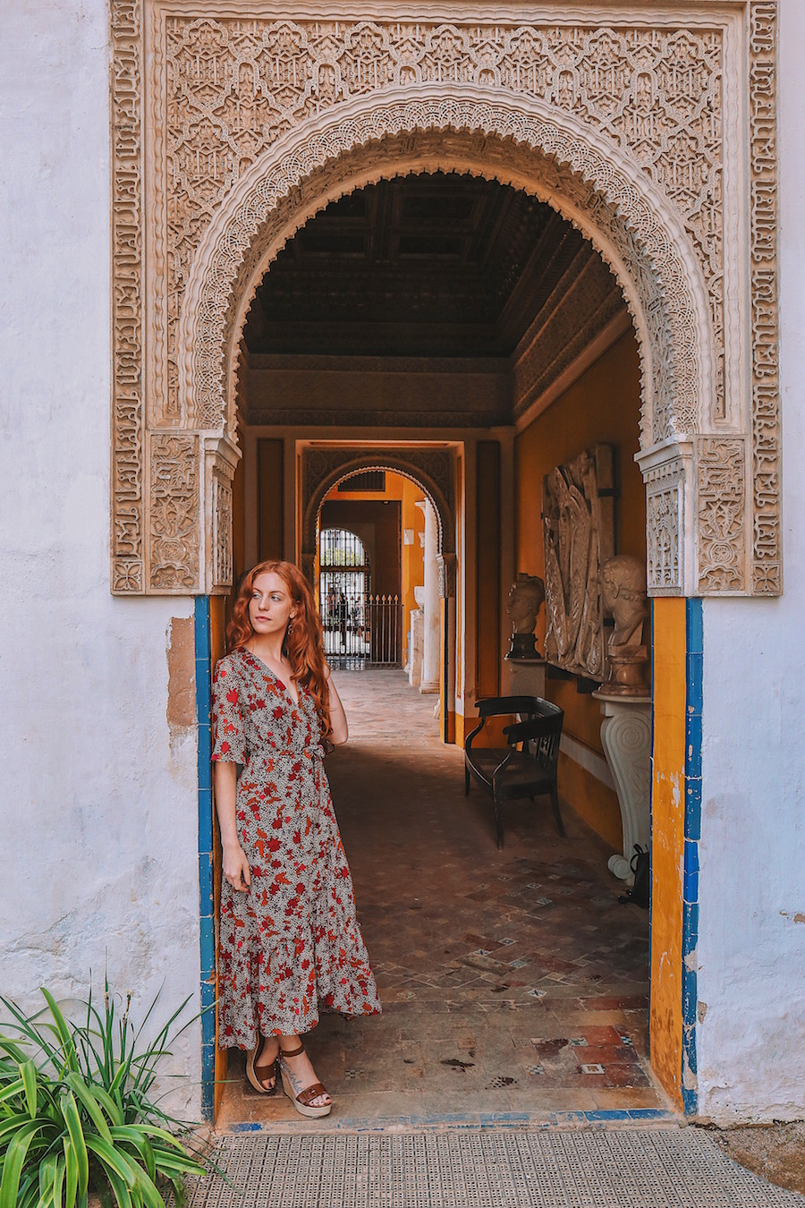 redhead-round-the-world-blogger-seville-casa-de-pilatos-arch.JPG