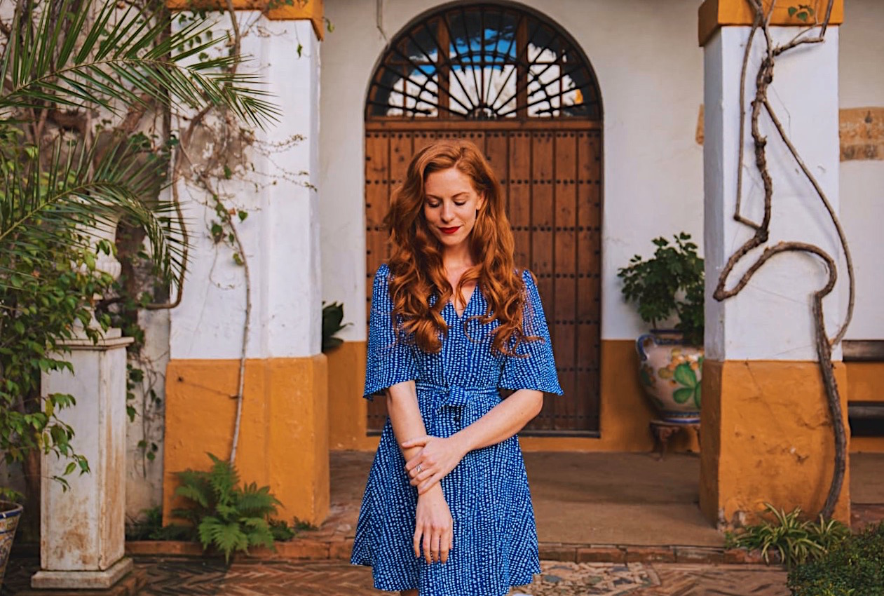 redhead-round-the-world-blog-blogger-seville-sevilla-palace-de-duenas-dress-patio.JPG