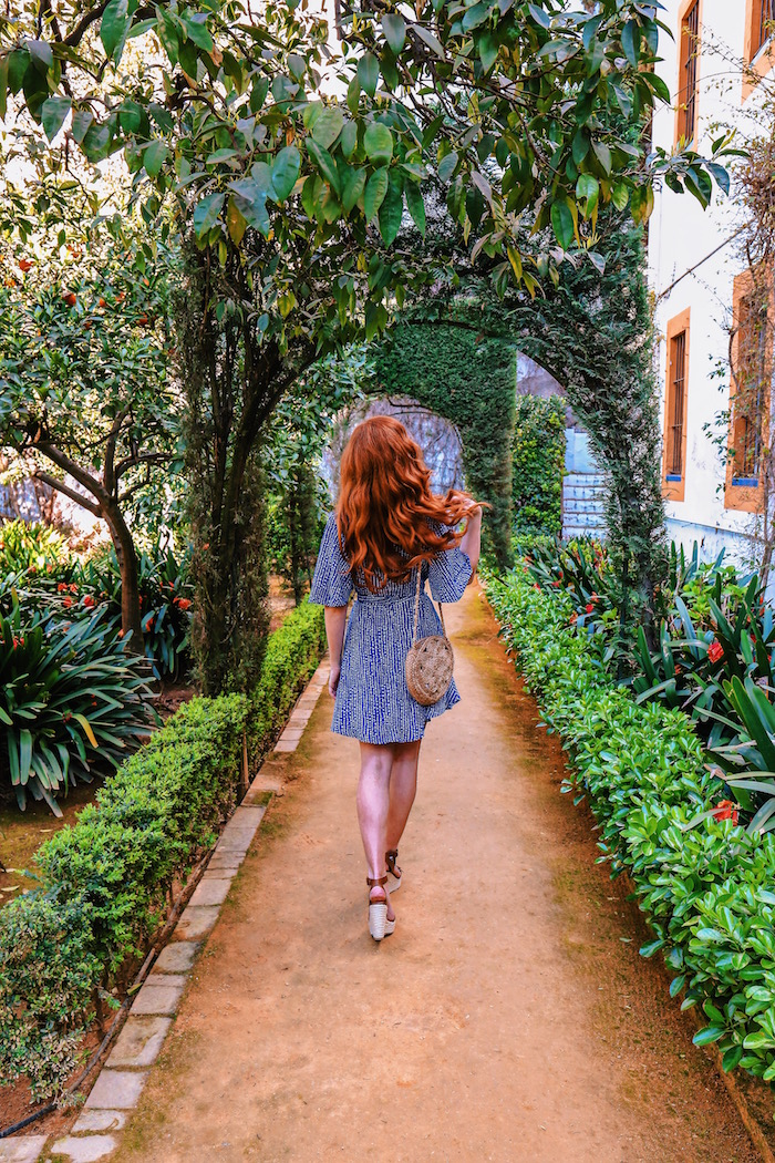redhead-round-the-world-blog-blogger-seville-sevilla-palace-de-duenas-flowers-garden-patio.JPG