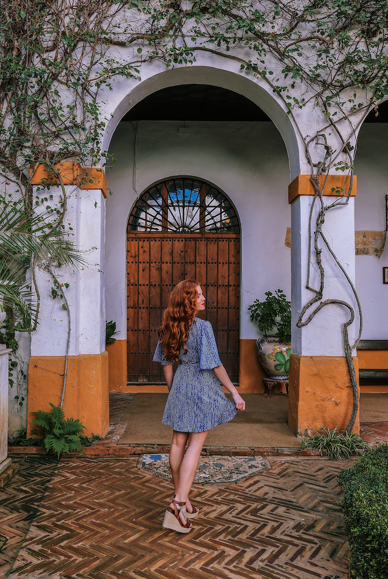redhead-round-the-world-blog-blogger-seville-sevilla-palace-de-duenas-yellow-dress-garden.JPG