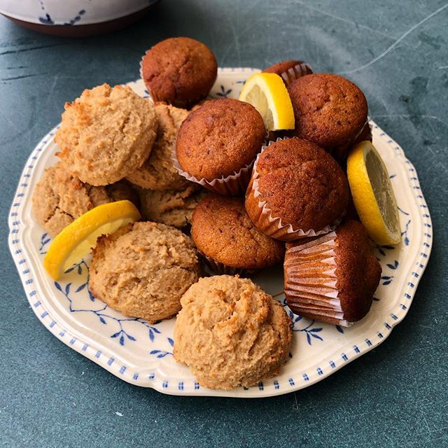 All about citrus over here!!!!! Can a muffin or cookie be refreshing? Well these little bites sure are. Meet our Lil' Lemon Cutie Cookies and Mini Orange Flax Seed Muffin. ❤️ #foodmagic #lovewhatyoudo #vegan #norefinedsugar #glutenfree #veganbaltimore #veganfood #northeastbaltimore #vegetarian #madewithlove #freshfoods #madefromscratch