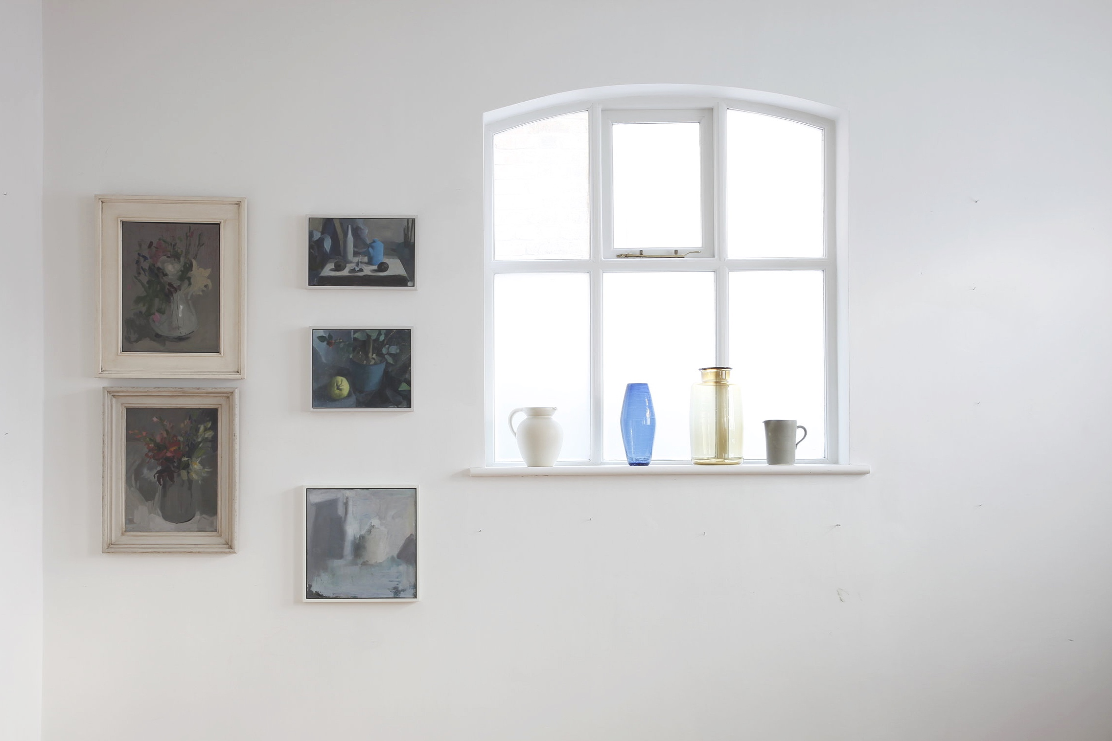 Paintings by Serena Rowe and Clare Haward. Glassware by Michael Ruh studio. Image from 155a Winter Art Fair 2018.