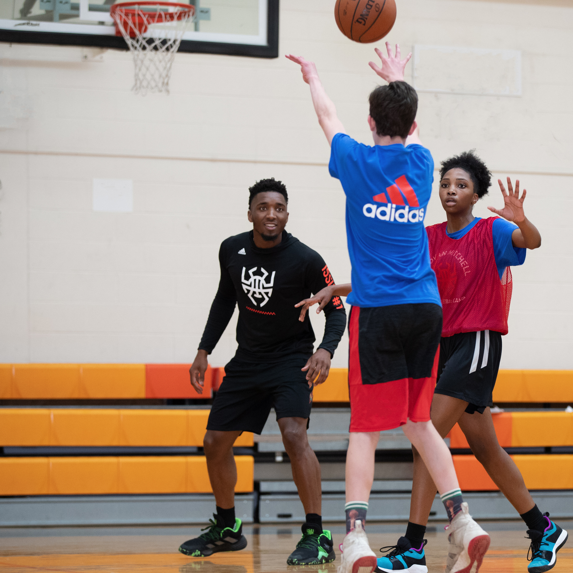 190601-donovan-mitchell-basketball-camp-grade5-9-WH-4548-c2.jpg