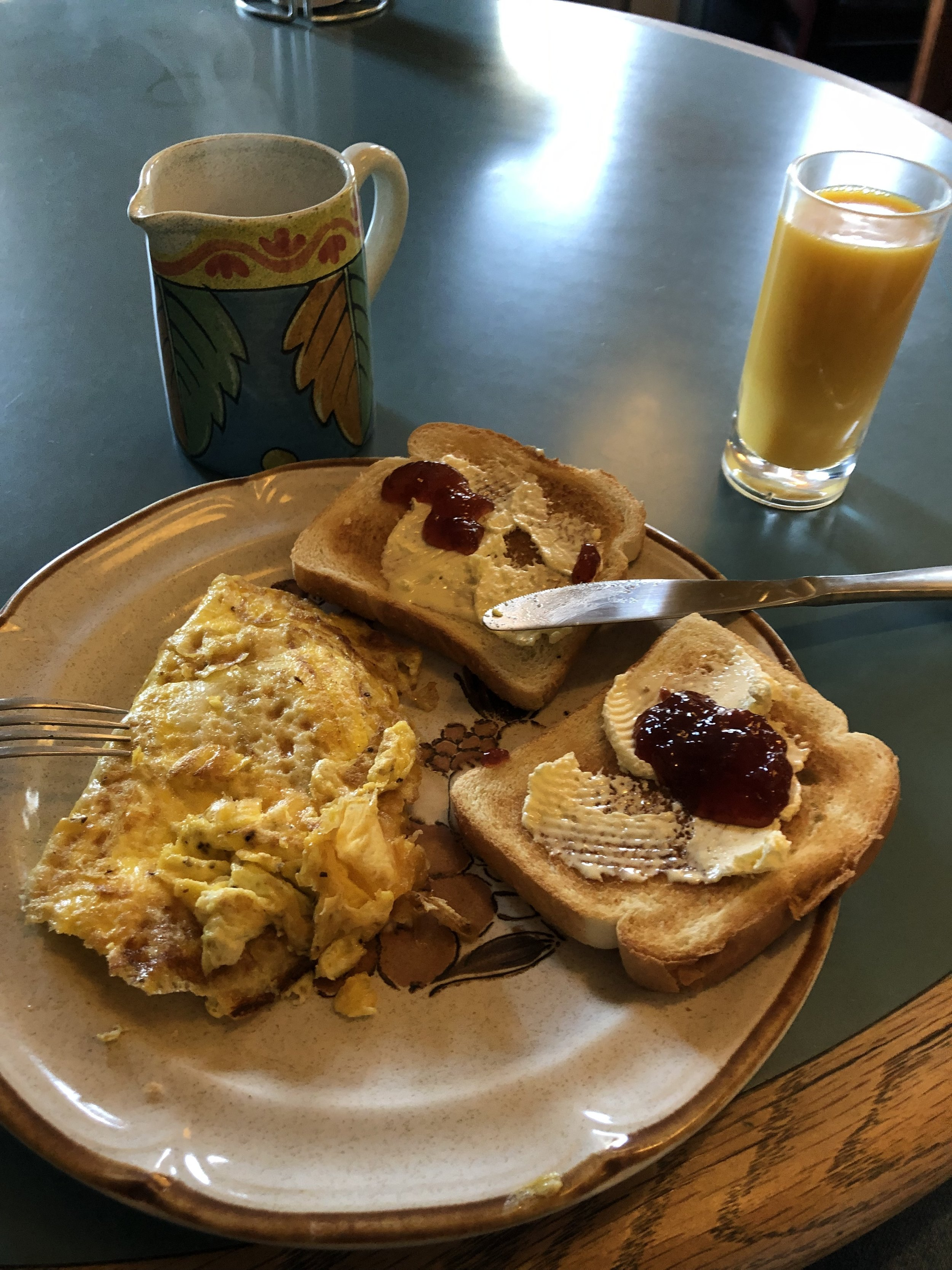 Everything here was provided by the hostel (cost included in the $35 a night charge) for me to make, other than the cheese which I added to the omelet. However, providing whole eggs isn't that common in my experience. Seattle's Green Tortoise Hostel did.