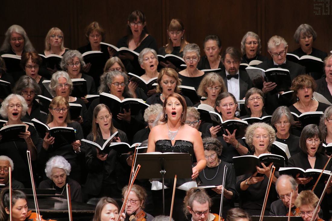 Photo: Soprano Carrie Hennessey performing Britten's 'War Requiem' at Hertz Hall, Berkeley, California (2016)