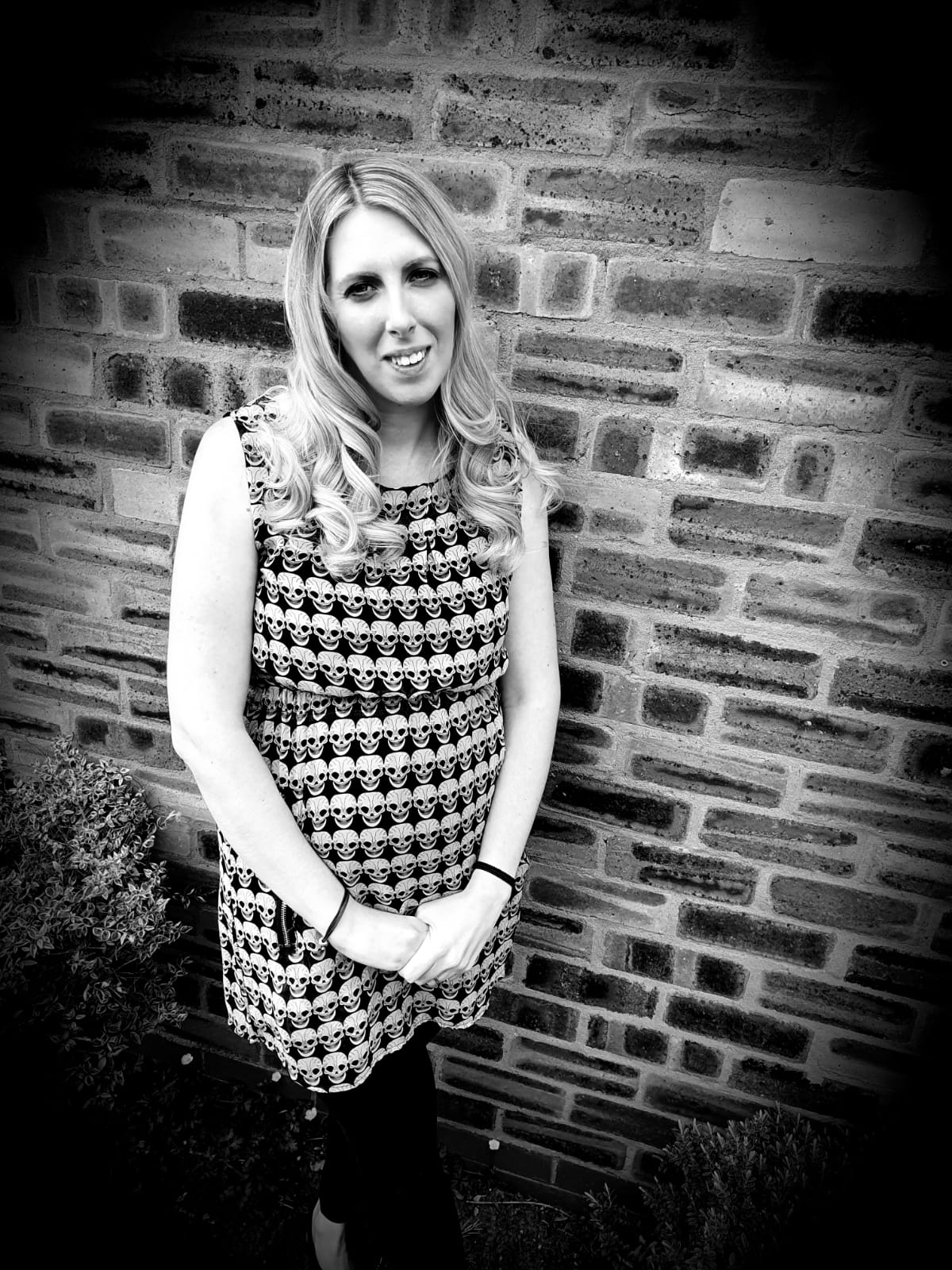 Hello, I'm Tracey. I've been hairdressing for 16 years and just love what I do and making people feel fab about themselves…!