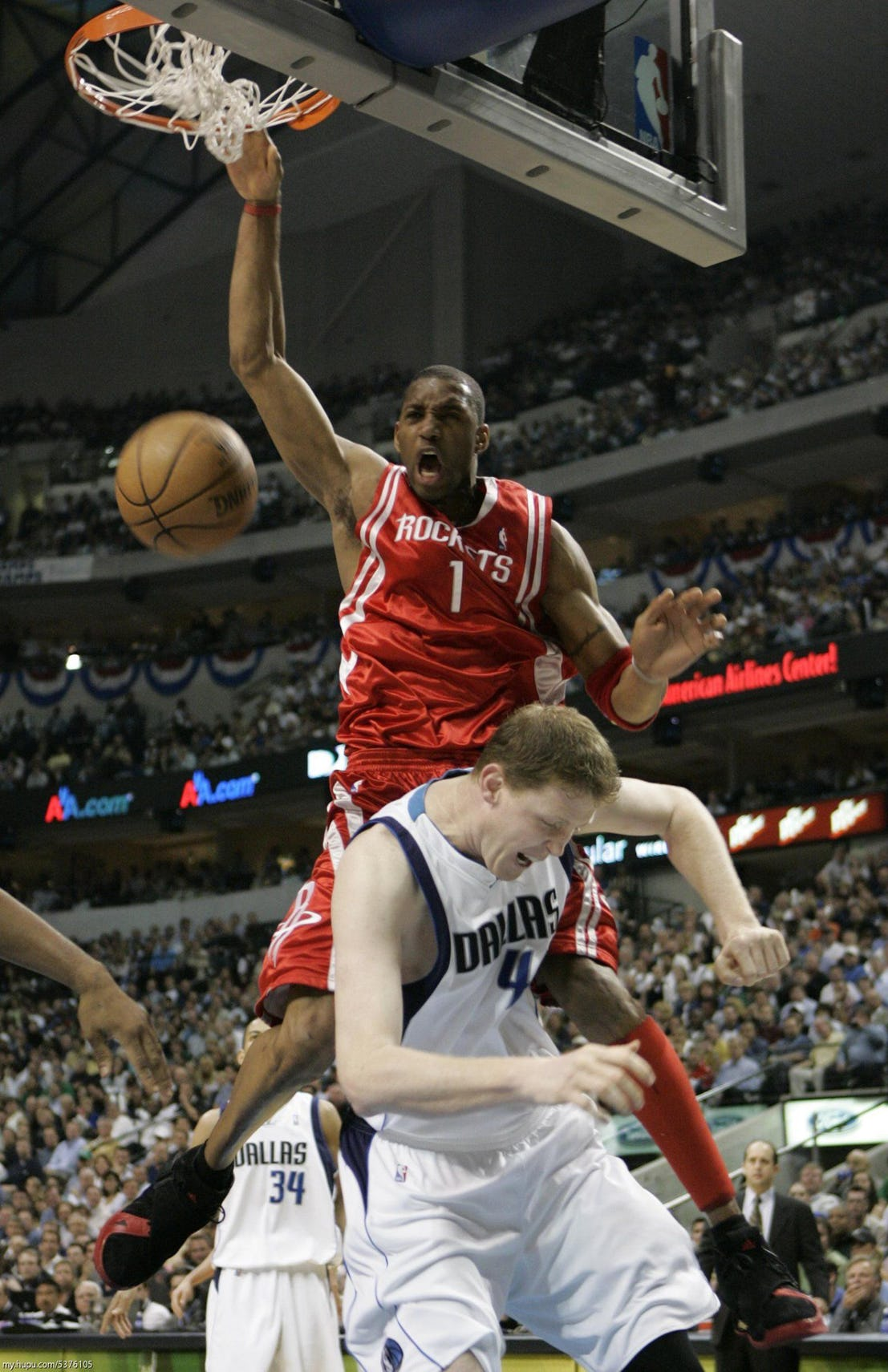 Tracy McGrady Makes Shawn Bradley A Big Lil' Bitch