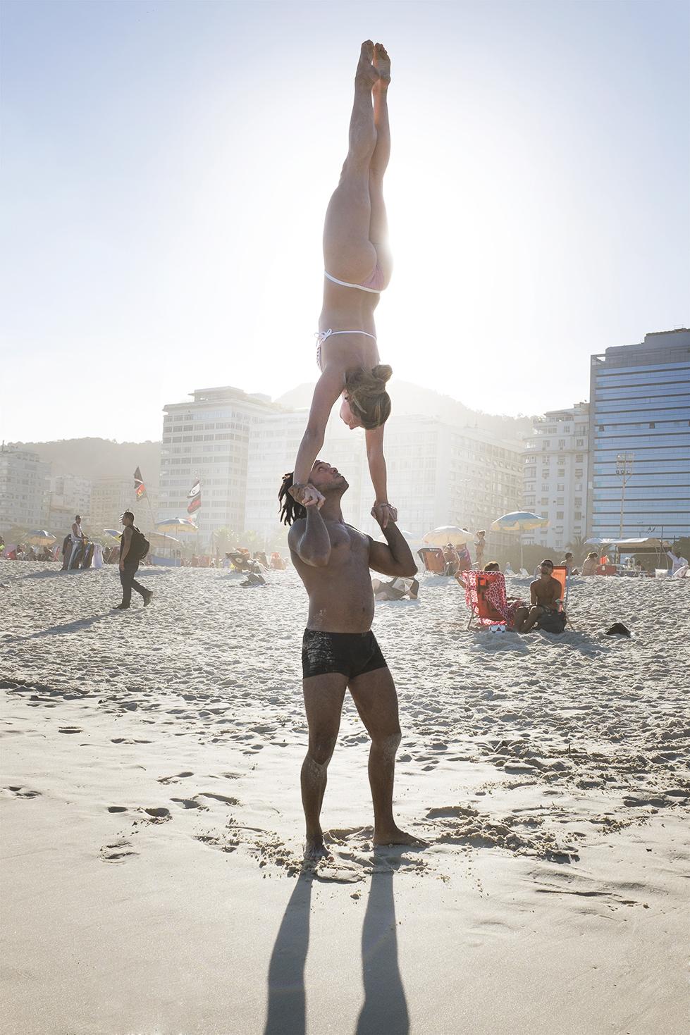 diephuis-brazil-rio-handstand.jpg