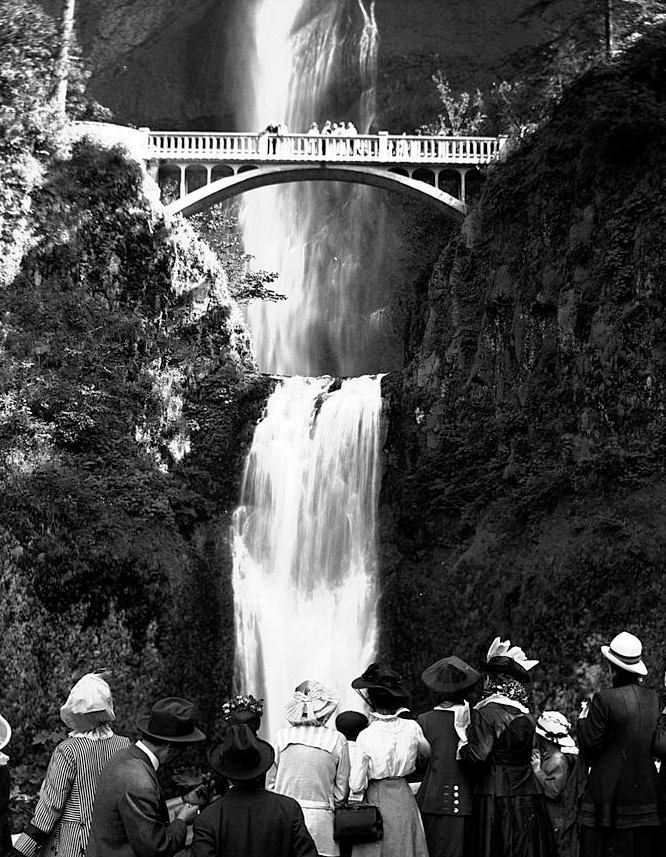 Multnomah Falls. As iconic as it was in 1915. Located off of I-84 between Portland and Hood River.