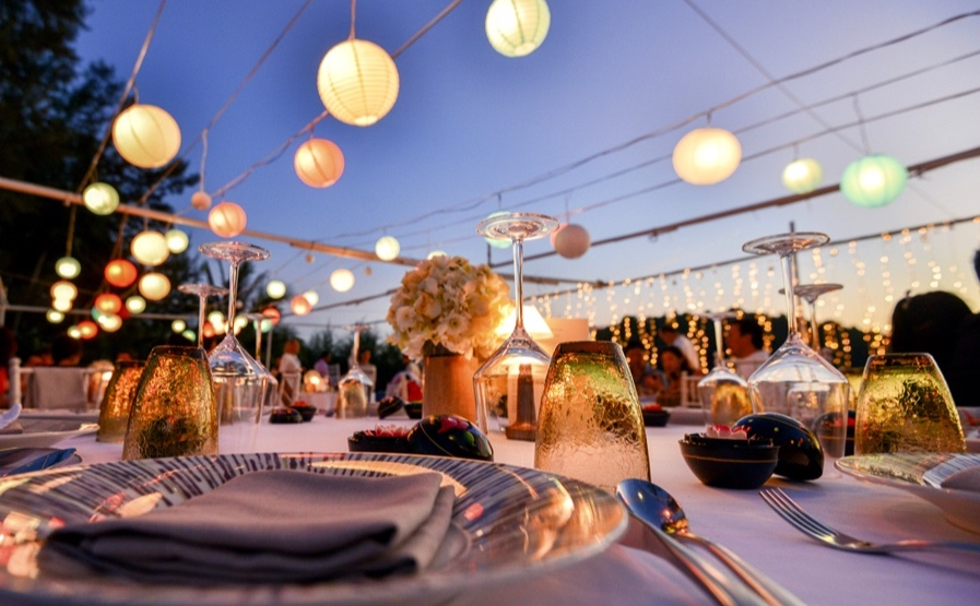PRIVATE EVENTS - Whether an intimate event outdoors,  or a corporate gathering, we can help set the perfect tone.
