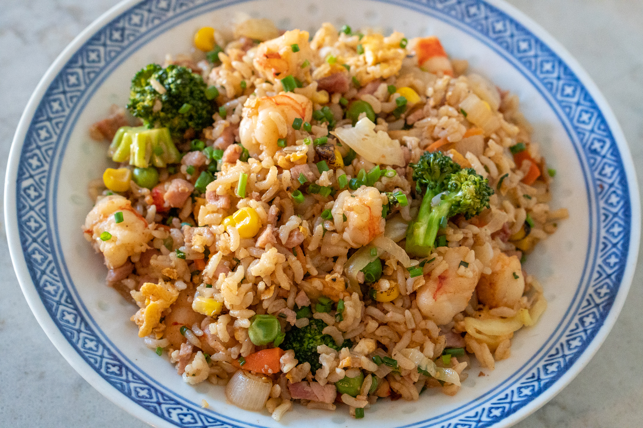 shrimp fried rice with ham and vegetables