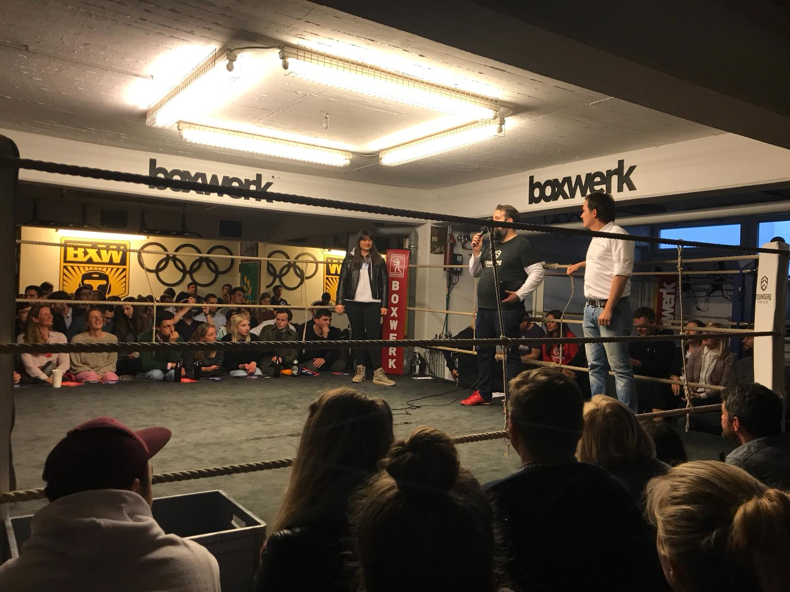 Startup pitch at Founders Fight Night at Boxwerk in Munich