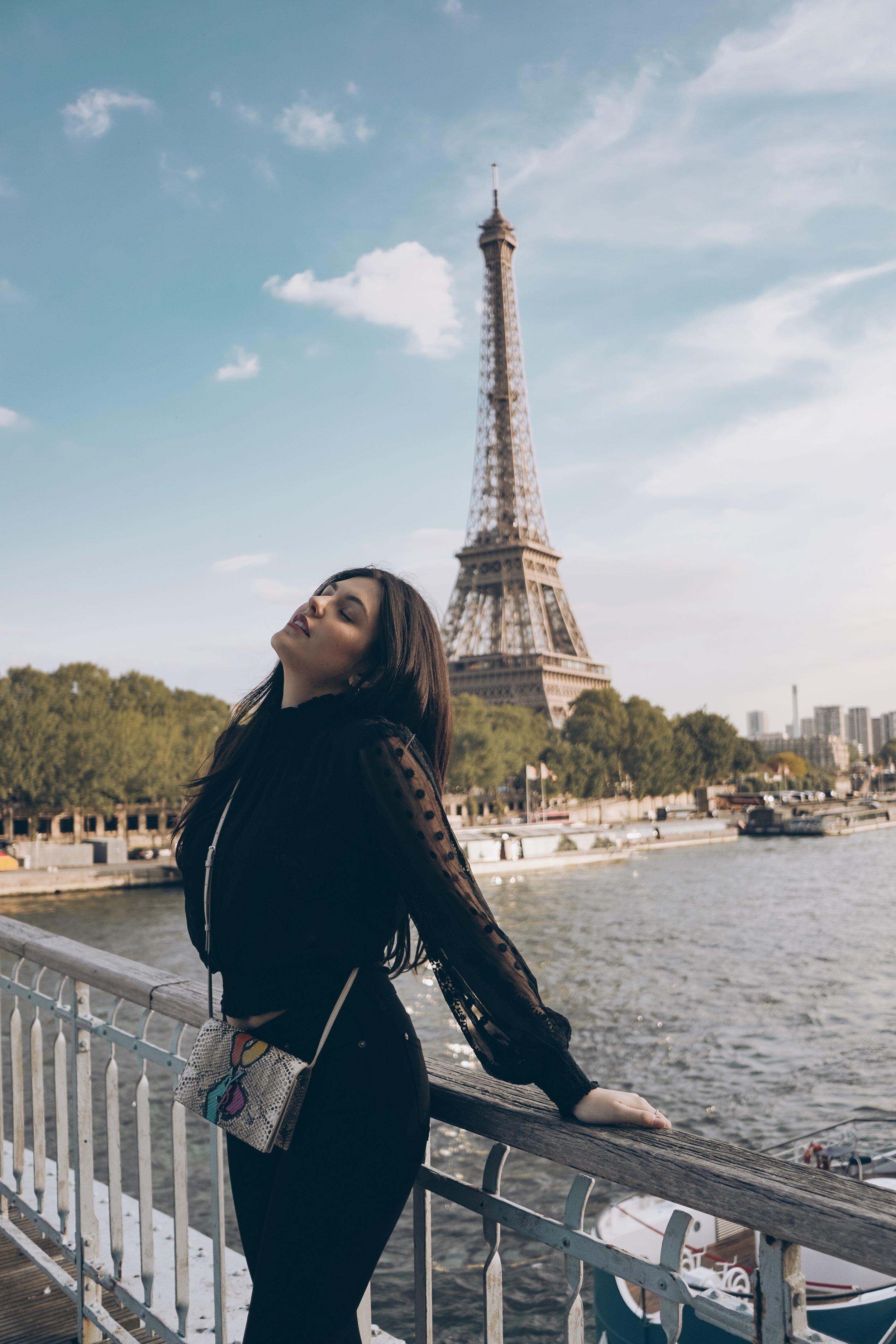 Julia friedman paris for the weekend eiffel tower instagram