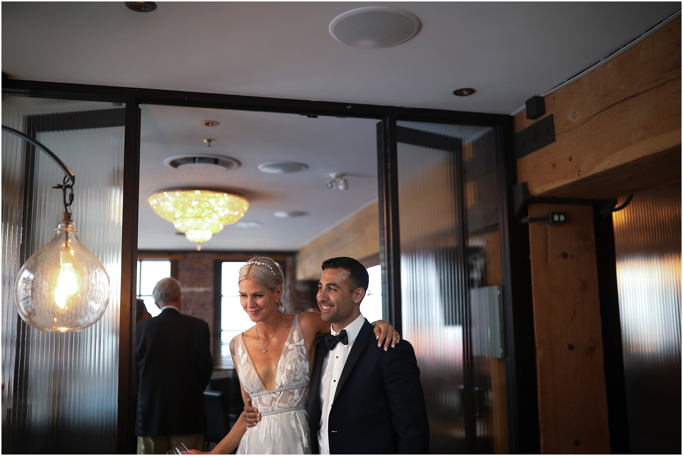 vancouver-wedding-photographer-the-loft-earls-yaletown_0025.jpg