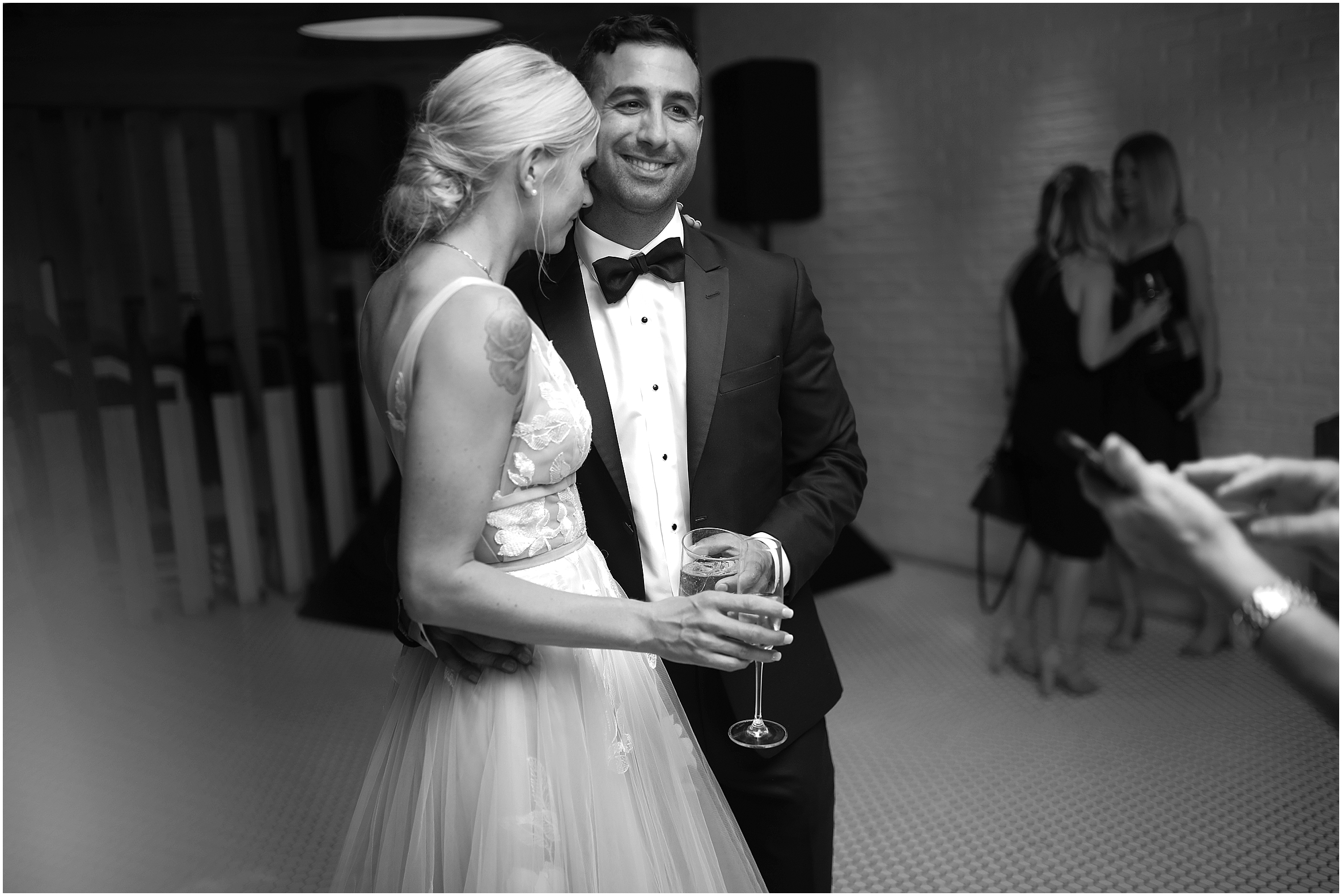 vancouver-wedding-photographer-the-loft-earls-yaletown_0035.jpg