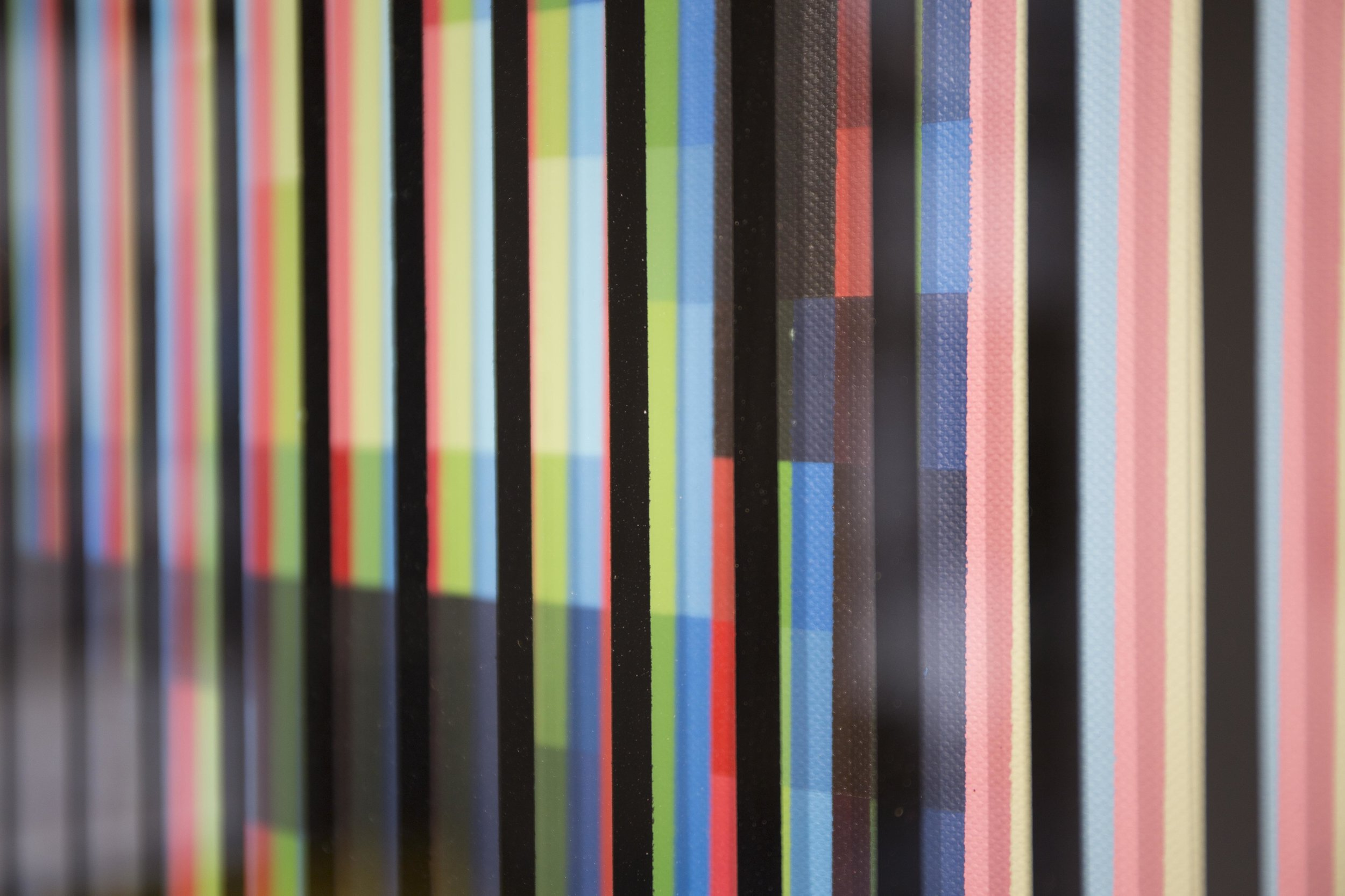 'DI_04' (Detail), 2019, Spray Paint on Canvas and Glass, 70 x 100 cm, Atelier Maser.
