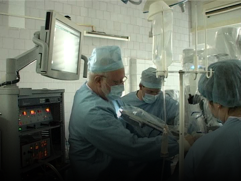 2011: Fox Chase, Russian Surgeons Collaborate on Robot-Assisted Laparoscopic Prostatectomy