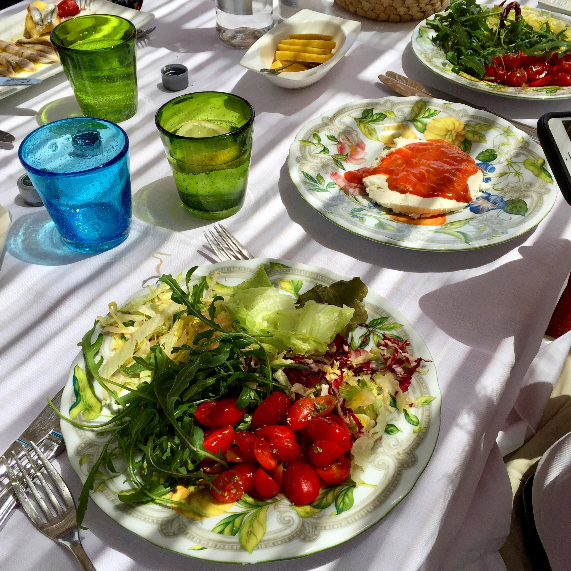 Summer salad, sheep ricotta with sea urchin - La Cialoma