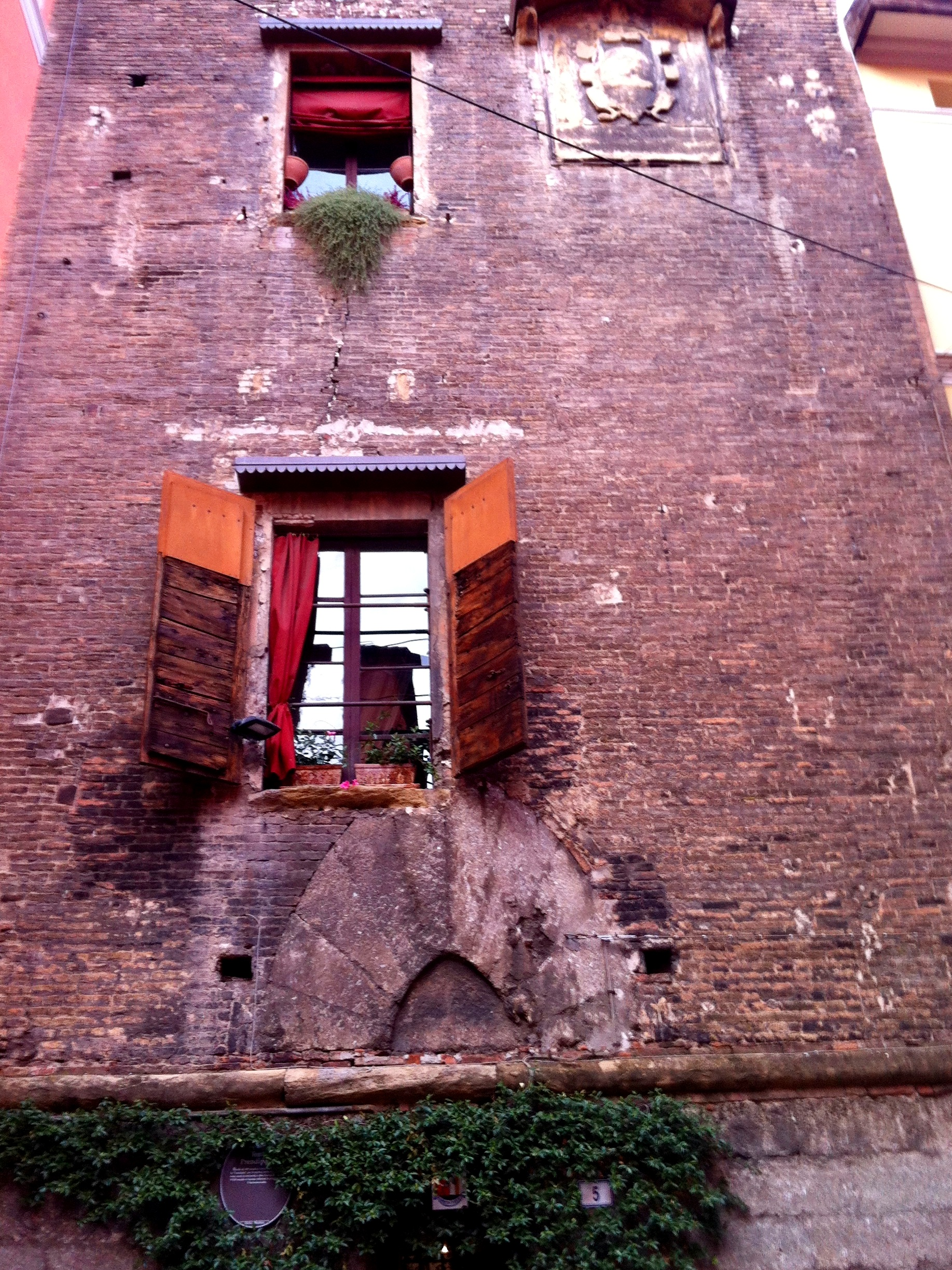 The ancient Prendiparte tower - Bologna