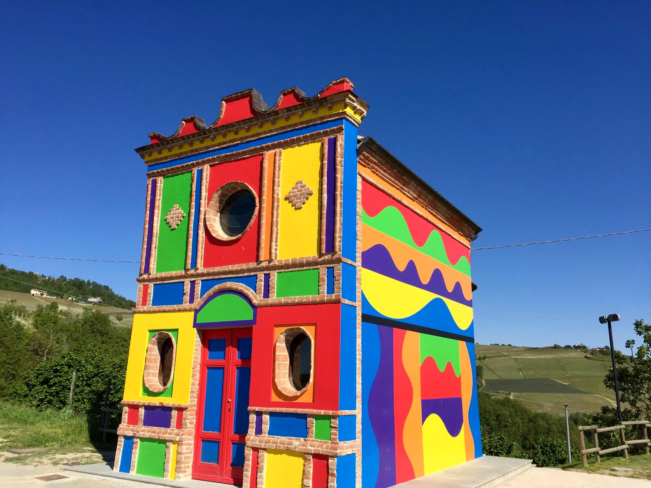 LeWitt and Tremlett Chapel - Brunate vineyard, La Morra