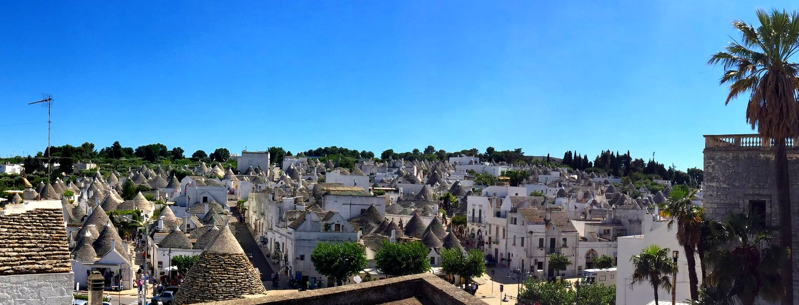 Charge your soul in Alberobello old-town, bottomless supply of unforgettable glimpse - Unesco World Heritage Site of Alberobello