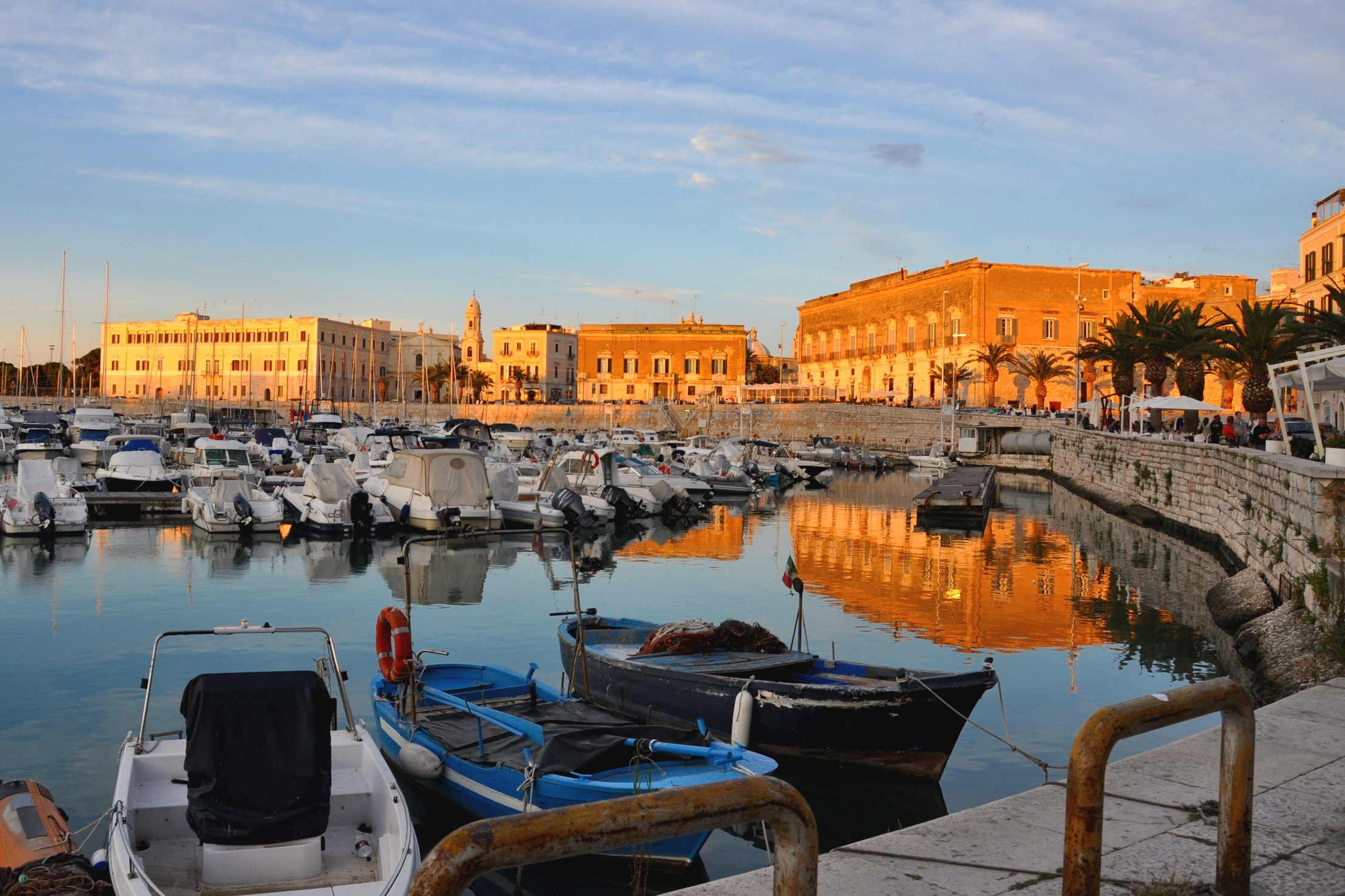 Roman, Jewish, Spanish and Venetian settlement - Trani harbour
