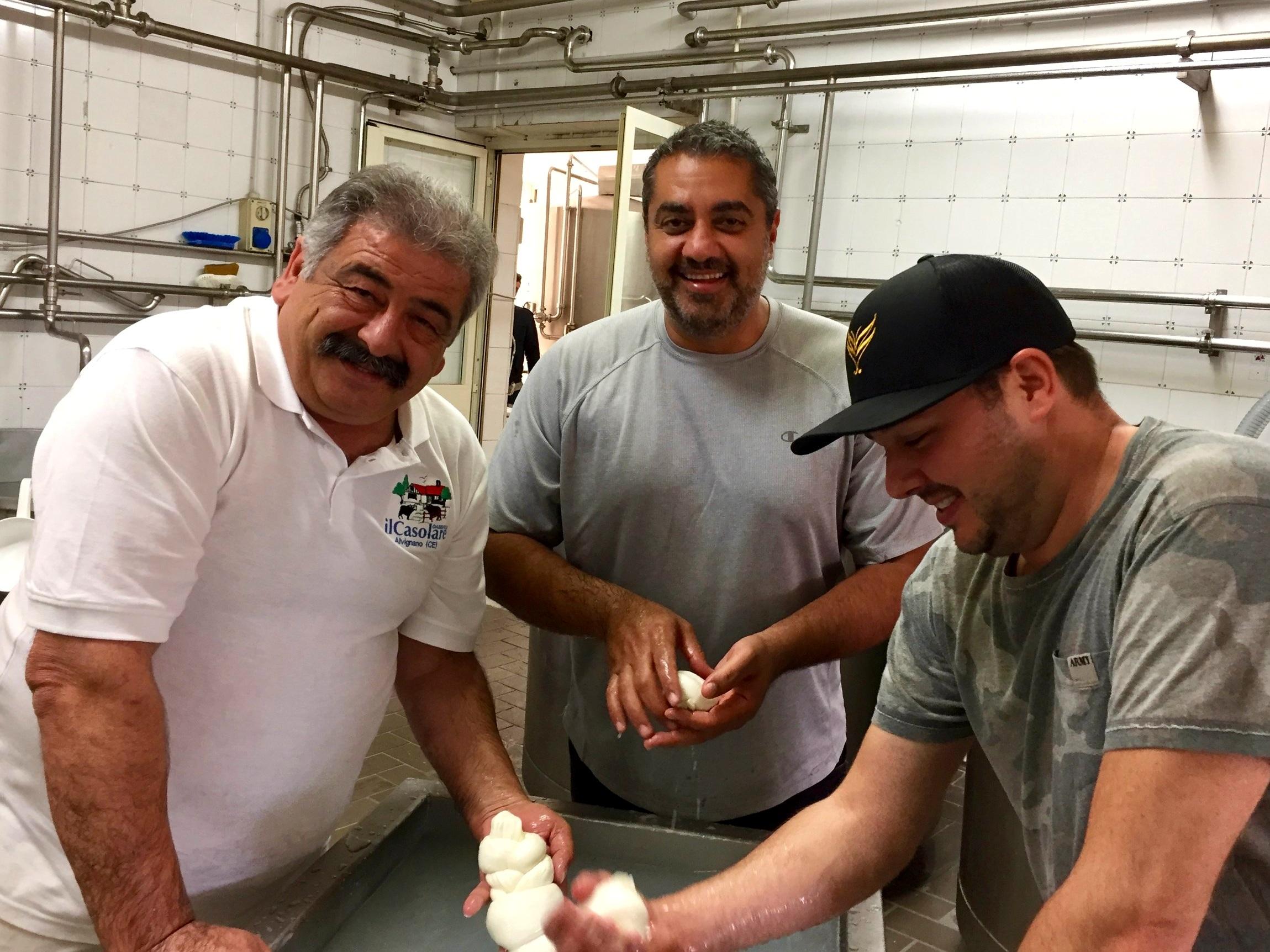 The making of mozzarella - Michael Mina, Adam Sobel, Mimmo La Vecchia