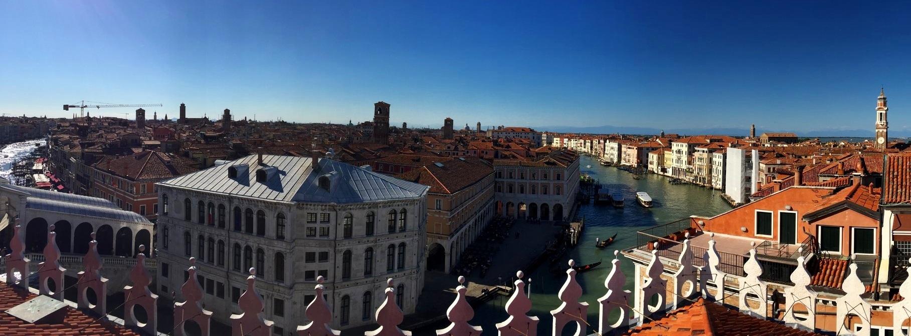 Skyline of Venice, Grand Canal and Rialto Bridge - Fondaco dei Tedeschi