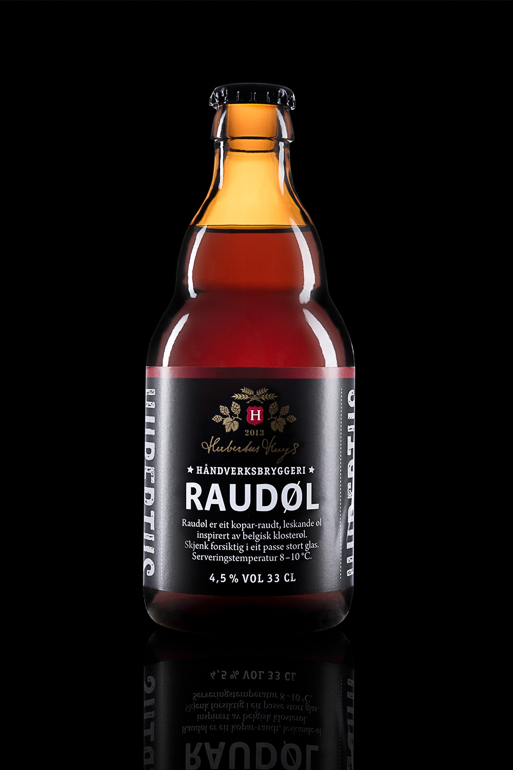 Raudøl - Type: Inspired by Belgian Trappist beer.Color: Red brown.Aroma: Fruity, rich, complex. Raisins, banana.Flavor: Fruity. Raisins, plums, caramel, biscuit, bread.Contents: Alcohol 4,5%.Food pairing: Dark stews, beef and lamb.