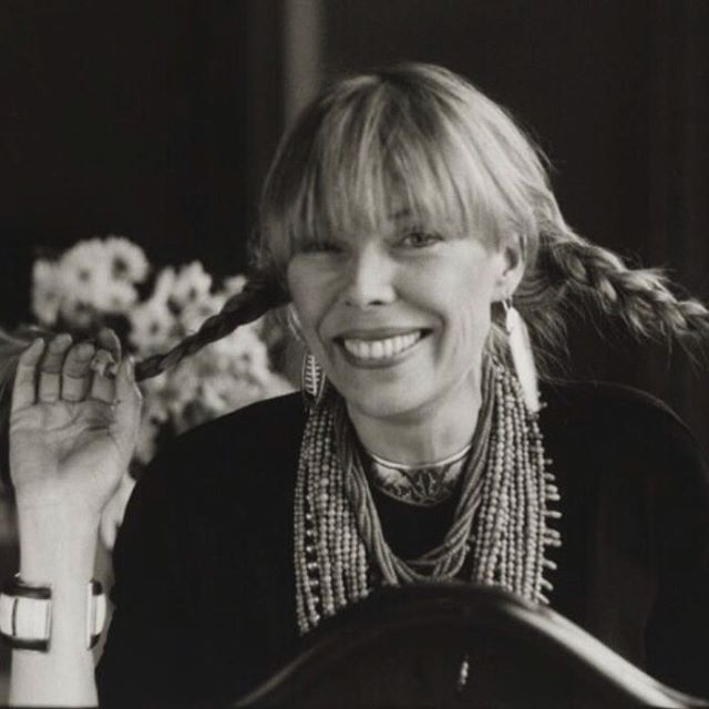 Some very exciting news coming up soon about my project - 'My Blue' A dedication to the great Joni Mitchell. Launching start of 2020 by record label 33 Jazz . #jonimitchell #music #folkmusic #jazz #dedication @deagles_ @mrobinsonmusic @alexmunkmusic @maxluthert @nuggetonline 💙💙💙
