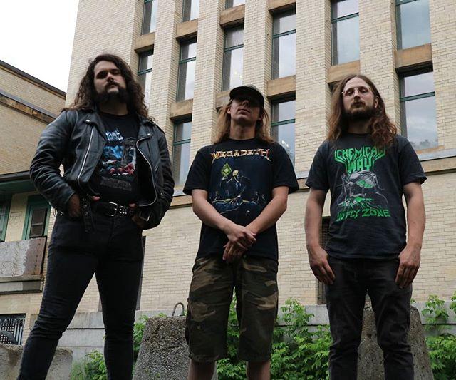 Warsenal 2019  #Warsenal #thrashmetal #speedmetal #metal #heavymetal #canadianmetal #vulture #chemicalway #megadeth #rustinpeace #urban #photoshoot #bandphoto #powertrio