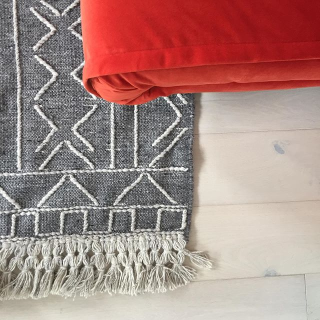 When Blackbarn Flooring and Blackbarn Living work together... Scandi with a pop!  #engineeredwoodfloor #rugs #wool #scandi