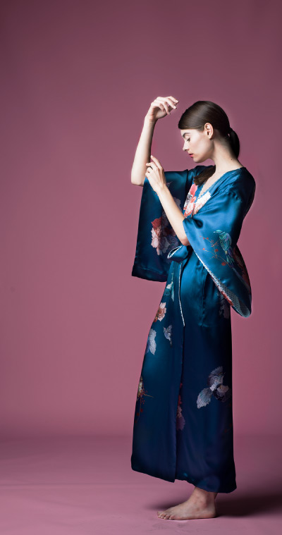 MENG Nightingale Campaign Shot Blue Kimono Side View