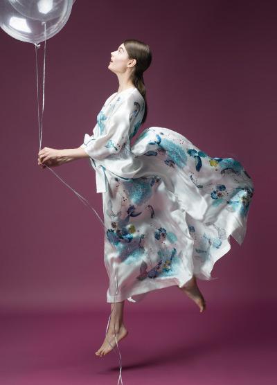 MENG Nightingale Campaign Shoot Light Silk Kimono and Balloon