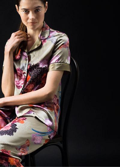 MENG Short Sleeve Pyjama Top and Pyjama Trousers Luxury Silk Bold Print