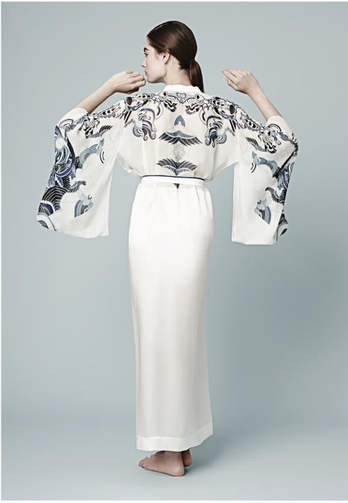 Meng-loungewear-luxury-womenswear-silk-prints-fashion-handdrawn-watercolour-detailed-abstract-6-white-black.jpg