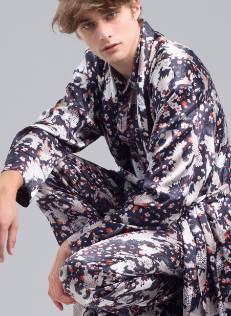 MENG Menswear Illuminated Shadows Intricate Floral Detail Robe and Pyjama Set
