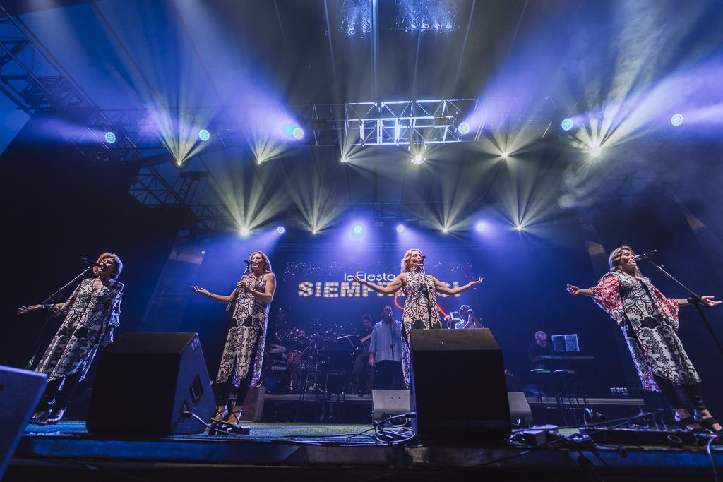 SIEMPRE ASÍ ( 23 DE FEBRERO 2019) - El grupo sevillano colgó el cartel de Sold Out horas antes de su concierto en El Invernadero Music y salió a escena derrochando arte y entusiasmo contagiando a todos los asistentes.