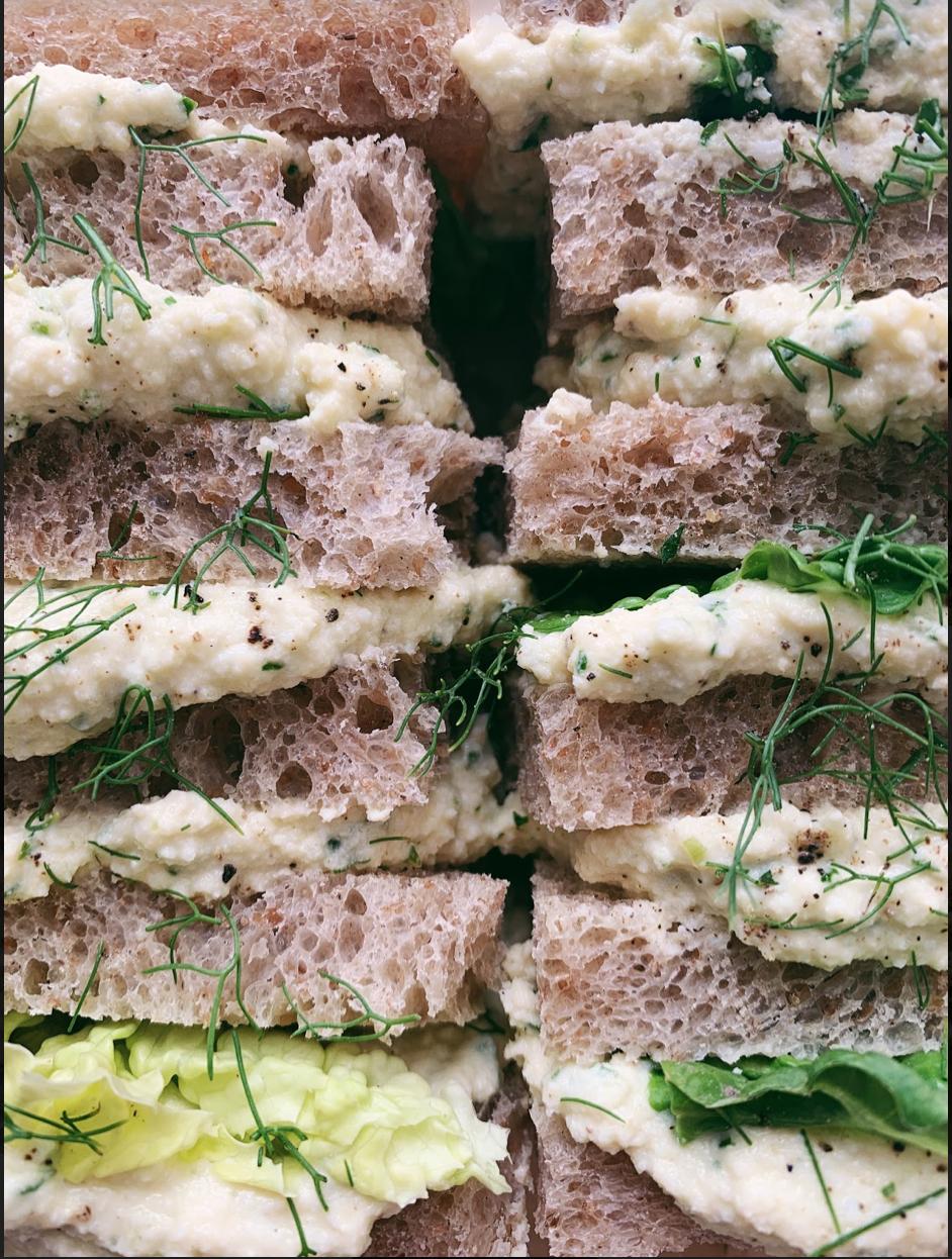 classic egg salad sando