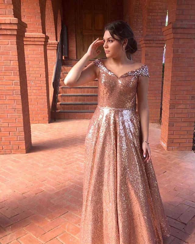 Rosegold goddess  #promdresses #prom2019 #midnightbyjandrews #starsofmidnight #wedressthebest @langoni.linguini