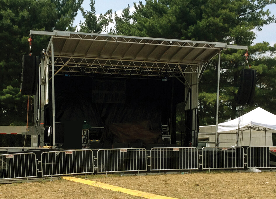 SL - 100 Mobile Stage (24' x 20')