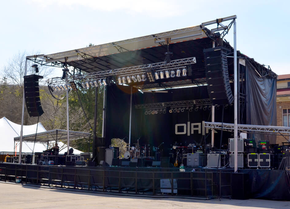 SL - 250 Mobile Stage (32' x 24')