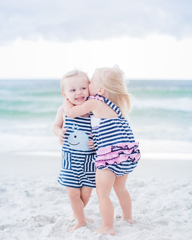 😍 . . . . . . . #justwrightphotos #floridaphotographer  #Rosemarybeach #30A #panamacitybeachphotographer #Floridafamilyphotographer  #30Aphotographer #lifestylephotographer #peopleofjoy  #floridabeach #savorthejourney #justgoshoot #travelingphotographer #sunsetsession #savorthejourney #beachlife #familyphotographer #beachphotographer #destinationphotographer #rosemarybeachphotographer #lifestylesession #exploretocreate #PCB