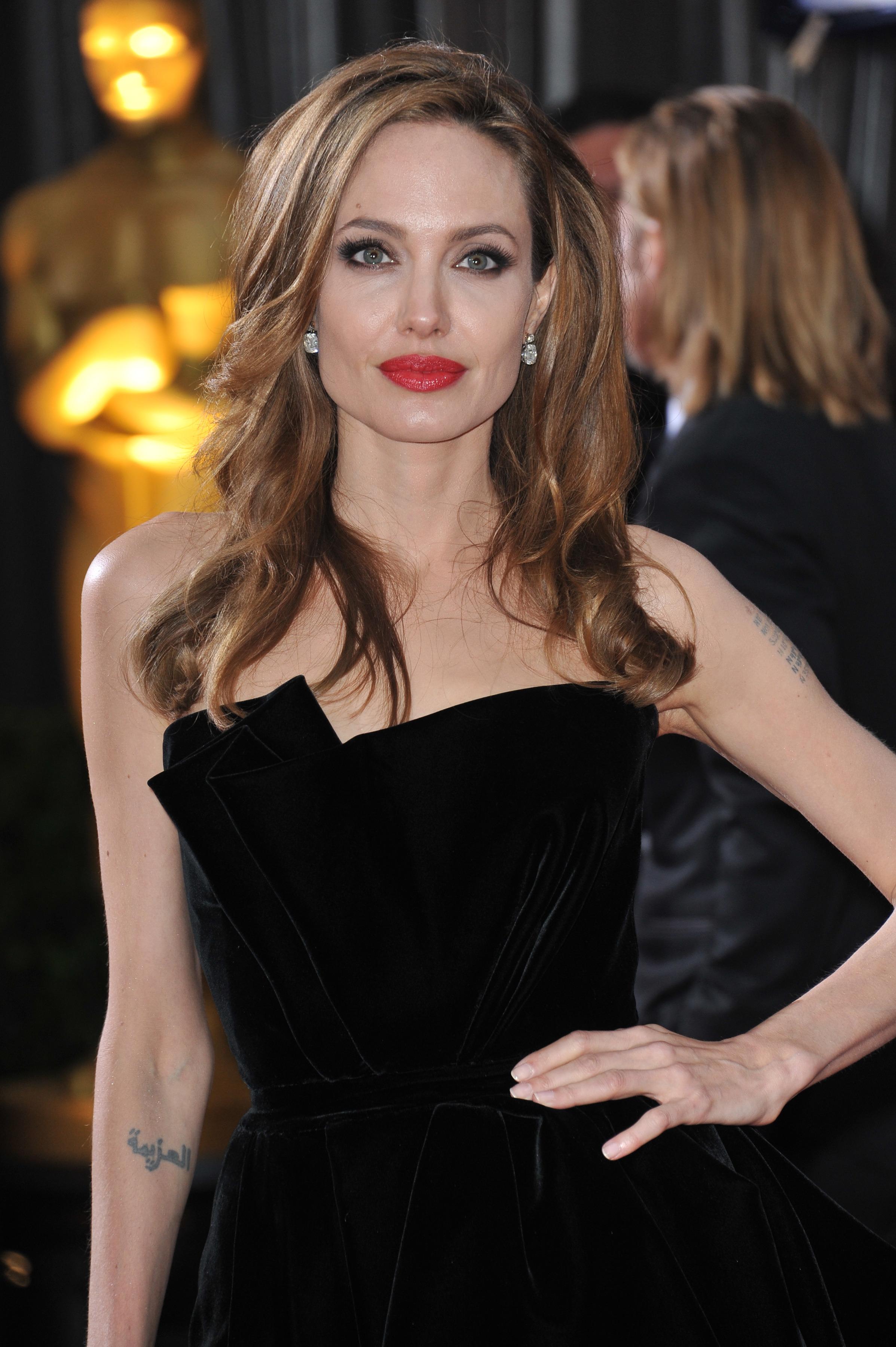 Angelina Jolie - Jezebel