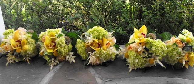 amanda-jesse-bmds-bouquets.jpg