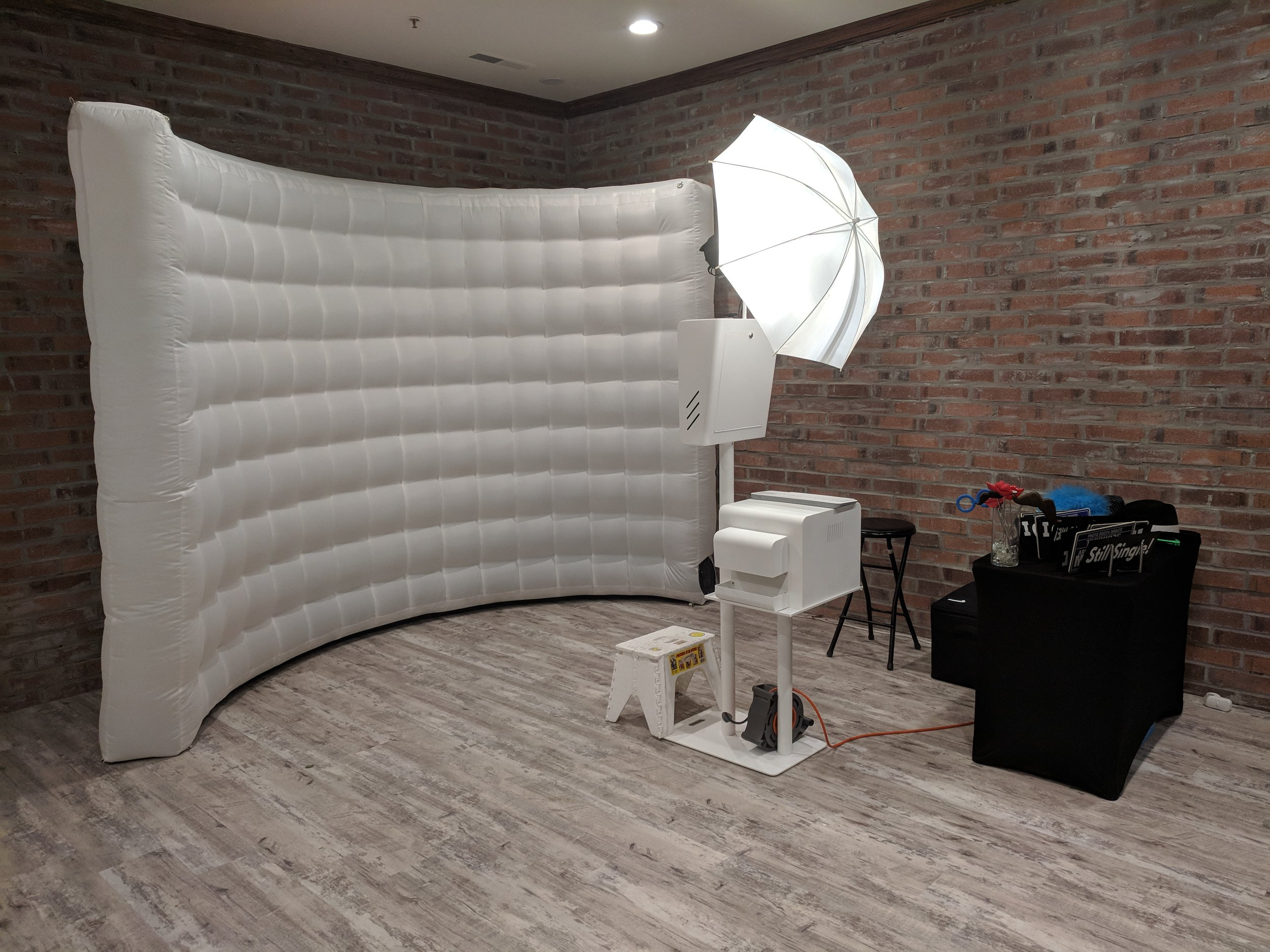 - OPEN #2WHITE INFLATABLE WALL