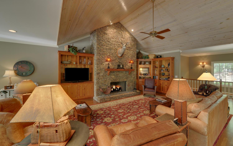 924 Burton Mountain Rd-large-006-19-Living Room-1500x938-72dpi.jpg
