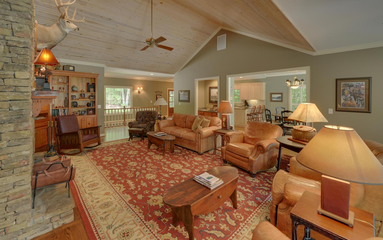 924 Burton Mountain Rd-large-009-18-Living Room-1500x938-72dpi.jpg