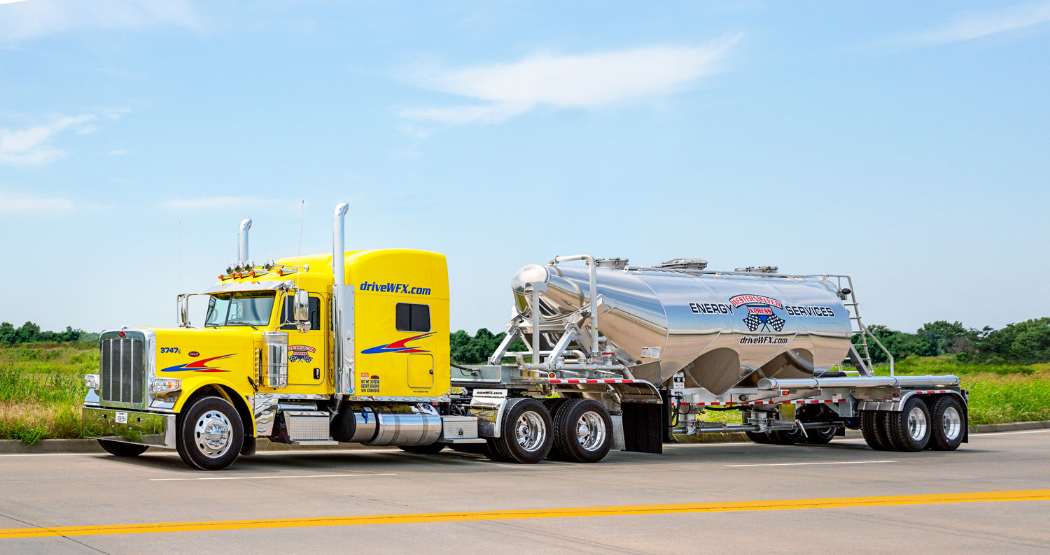 Peterbilt 389 tractor with our Energy trailer